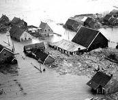Nederland en het water / de zee en de rivieren, Nederland altijd in uitdaging met het water.