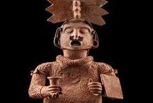 TOLTECAS / Mucho despues de la caida de Teotihuacan,en Mesoamerica hubo un periodo de gran confusion y cambio el sentido de la civilizacion,las ciudades se hicieron mas guerreras y las religiones mas belicosas.Una de estas ciudades,hacia el año 950,fue Tollan-Xicotitlan,actual Tula,donde se asentaron los toltecas Entre los pueblos de la epoca de la conquista,Tolteca significaba sabio en el arte,la construccion,la artesania y sin duda se destacaron en estas actividades. / by Maria Dolores Fernandez