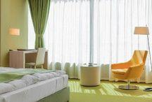 Hotel Armatti Brasov / Proiect din portofoliul Chairry - mobilier plin de culoare pentru sala destinată micului dejun, recepție, camerele din hotel etc.  A project from Chairry's portfolio - colorful furniture for the breakfast lounge, check-in desck, hotel rooms etc.