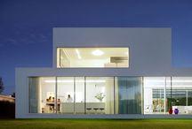Houses / by María Florencia Corsi