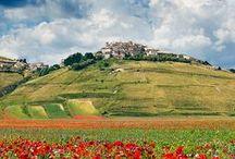 Trevi i okolice / Atrakcje turystyczne w Trevi i okolicach (Umbria, Włochy).