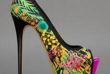 Zapatos escultura / Zapatos de exposición, divertidos, imposibles