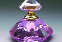 Frascos de cristal y perfumeros / Frascos de cristal que son joyas.