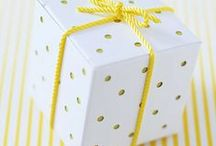 Gifts / Who doesn't love to receive a beautiful gift? The icing on the cake is a beautiful gift wrap or package. Inspiration for the gifts to give someone (or to gift yourself).