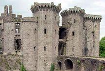 "Château de Carwyn / Brecon Beacons, Pays de Galles, Angleterre. Carwyn signifie «amour béni"", du gallois Caru «amour» et Gwyn ""blanc, juste, béni""."