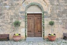 Large CHURCH_Monteriggioni