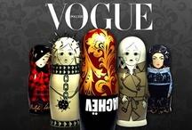"""Mautriushka Vogue / Estas muñecas son un icono de Rusia y Vogue escogió estas muñecas como nuevo objeto de culto reuniendo a los diseñadores más afamados para recrear y rediseñar a las populares muñecas rusas que serían subastadas en la gala. Los diseñadores crearon autenticas piezas de colección un poco más grandes que las autenticas, cada diseñador realizó un boceto y luego fueron pintadas a mano por artesanos rusos.  """"Punta del este design"""""""