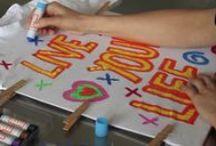 Vídeo, ¡te enseñamos a utilizar nuestros productos! / ¿Quieres aprender a pintar con nuestros productos Playcolor? ¡No te pierdas este tablero! #playcolor, #instant educa, #tempera solida. #instant #decora tejidos, #dibujar, #paint, #draw, #tempera