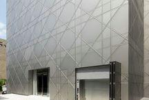 Lager på lager fasad