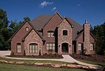Earth Tone Brick / Brick offers unlimited colors and styles for your home.