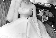 Vestidas para triunfar. / Vestidos lucidos por modelos, cantantes, deportistas...antes de la década de los ´60