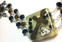 Beautiful Resin Jewelry / This board shows examples of beautiful resin jewelry.