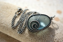 Beautiful Wire Jewelry / This board shows examples of beautiful wire jewelry.