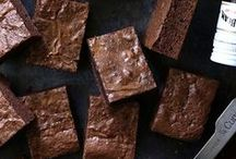Brownie Recipes / Delicious recipes for brownies and blondies, be it fudgy, cakey or chewy.