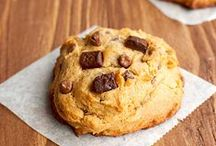 Cookie Recipes / Delicious recipes for all kinds of cookies, ranging from chocolate chip cookies made with brown sugar or dulce de leche, to pretty salted caramel macarons.