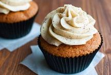 Cupcake Recipes - The Very Best / Cupcake recipes. Delicious cupcakes with amazing buttercream,frosting or other topping, ranging from chocolate cupcakes with candy cane buttercream to brown butter buttercream.