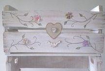 *ARTES COM CAIXOTES DE MADEIRA (ARTESANATO) ARTS WITH WOODEN BOXES (DIY) / http://patyshibuya.com.br/category/artes-com-caixotes-de-madeira/
