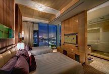 Luxury Hotel Suites / by Bavinh Pham