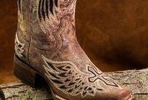 Wedding Boot Ideas / Great ideas for a western wedding