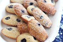 """"""" un de ces gâteaux courts et dodus appelés Petites Madeleines """""""