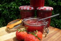 Jams and Preserves / How to make jams and preserves. Easy recipes to make your summer produce last a little longer.