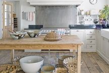 Kitchen Space / Ideas for kitchen deco and organization as well as cool ideas and recipes! Basically -> everything involving FOOD