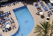 Hotel Pabisa Bali**** / Das Hotel Pabisa Bali**** liegt perfekt im Zentrum der Playa de Palma – eines der bekanntesten und beliebtesten Tourismusgebiete auf Mallorca. Die einmalige und privilegierte Lage des Hotels, nur 300 Meter vom Sandstrand und 12 km vom historischen Stadtkern der Hauptstadt, Palma de Mallorca.