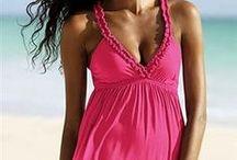 Letní šaty, plážové šaty a vše co k letní módě patří / Na této nástěnce se budeme věnovat všem letním šatům a vzdušným oděvům, včetně plážových a beach svršků.