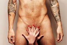 Sexo & Música / Como a sensualidade, o erotismo e o sex appeal são utilizados para vender música.  Mais informação em www.sexonomarketing.com