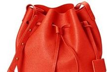Drawstring Handbags / Thankfully, fashion whispers keep on trend for this spring-summer the ultimate bucket – drawstring bag.