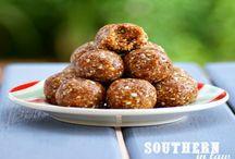 bliss balls and healthy treats / Healthy delicious treats