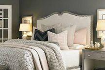 Interior: Bedroom Love / Pretty interior ideas for the master bedroom. I love those headboards    Schöne und elegante Einrichtungen für das Schlafzimmer. Ich liebe die Kopfteile