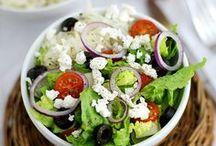 Food: Salad Sensations / A collections of the most yummiest Salad recipes on Pinterest. I die for a good ceasar Salad   Eine Sammlung der leckersten Salat rezepte. Ich sterbe z.B. für einen guten Ceasar Salat