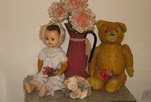 Antique & Vintage Dolls & Toys / by Gwen Haag