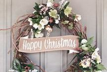 Christmas garlands & wreaths / I do love garlands!  Every year I make a new one for the front door, looking for ideas around blogs and Pinterest until something enough spiritual&cozy inspires me.