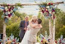 Flori la nunta / Buchete de mireasa, buchete de domnisoara de onoare, aranjamente centrale, arcade de flori etc.