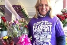 Workshops WITH FLOWERS / We offer fun workshops for making great flower design   Join us afternoons or evenings, meeting friends and enjoying some nibbles and beverages while arranging fresh flowers so you can take home and enjoy. see website for our programme