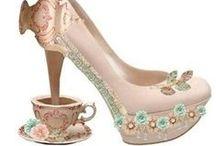 Verrückte Schuhe / Beim surfen stoße ich immer wieder auf verrückte Schuhe, Schuhideen, teils tragbar, teils einfach nur fürs Auge gemacht, aber immer wieder spannend! ...und vermutlich nie bei uns im Schuhgeschäft zu kaufen.  :-)