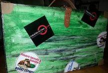Recuzita T.A.C. / Din seria DIY (do it yourself) vă prezentăm cele mai năstruşnice butaforii made by TAC  www.teatruinengleza.ro