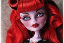 Monster High & Ever After High dolls
