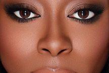 Maquiagem / Dicas para realçar a beleza feminina.