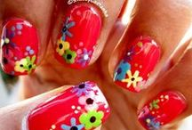 floral nails / by Jennifer Gainley