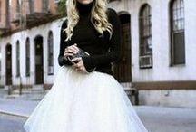 """Dark & Light / DARK & LIGHT: il """"black and white"""" della moda femminile, gioielli eleganti e versatili che si adattano allo stile e alla personalità di ogni donna. RENIERI gioca con i contrasti per le linee della collezione ELEMENTS. #RenieriJewels  #DarkCollection #LightCollection #SilverJewels #madeinitaly #RenieriGioielli  www.renierigioielli.it"""