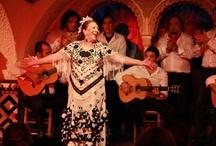 """LA ARISTOCRACIA DEL FLAMENCO - Málaga Cantaora (2011) / El ciclo """"La Aristocracia del Flamenco"""", empezó en enero y febrero de 2011, y  bajo la dirección artística de Farruquito, coincidieron en Cordobés algunas de las figuras más carismáticas del flamenco.  El primer espectáculo """"MALAGA CANTAORA"""", trajo a Barcelona los personajes más históricos del flamenco malagueño."""