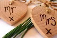 Rustic wedding table decorations / Rustic wedding table decorations that would also look fabulous for natural, woodland or vintage themed weddings