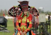 costumes folklore costumes trajes tipicos / by pia rieder