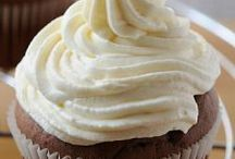 Sugar Free Cupcakes / It's a great time to be a baker when sugar-free can look and taste this delicious!  Bake some healthy treats for National Cupcake Day! www.nationalcupcakeday.ca