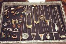 Jewellery / necklaces, earrings, bracelets ...