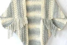 Crochet clothes and scarf /Hæklet tøj og sjaler