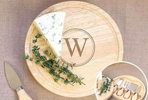 Personalized Cutting Boards / Looking for chic accessories worth of any kitchen? What better focal point than Personalized Cutting Boards that are the perfect middle ground between stylish and practical. Create the ultimate Custom Cutting Boards ranging from engraved wood to monogrammed tempered glass. Whatever material, style and personalization you choose: a Personalized Cutting Board is a gift that's guaranteed to make the cut.